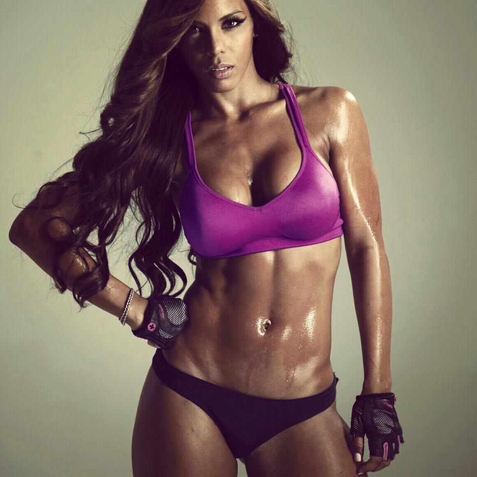 sexy-female-fitness-model